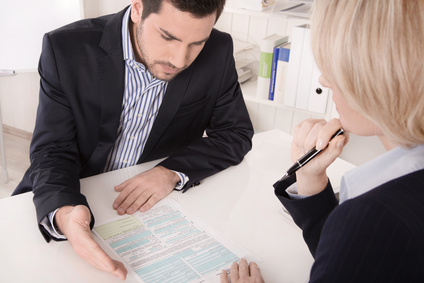 Advisor gives information to a client